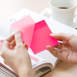 Stickn - Stickn Şeffaf Yapışkanlı Not Kağıdı Neon Pembe 21707 (1)